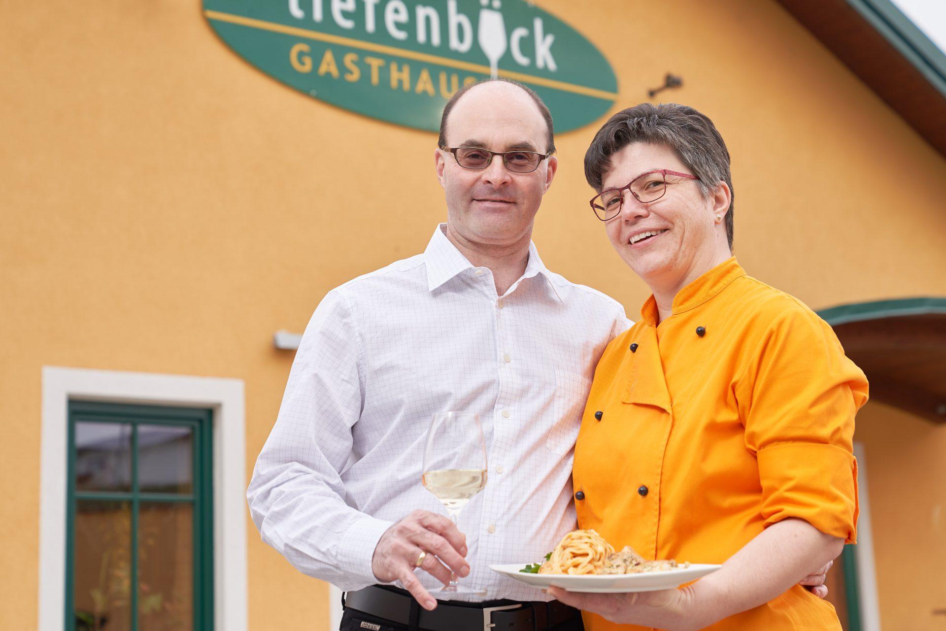 Hermann und Gertrude Tiefenböck: Liebe zur Region, zum Wein und zum feinen und gesunden Essen.