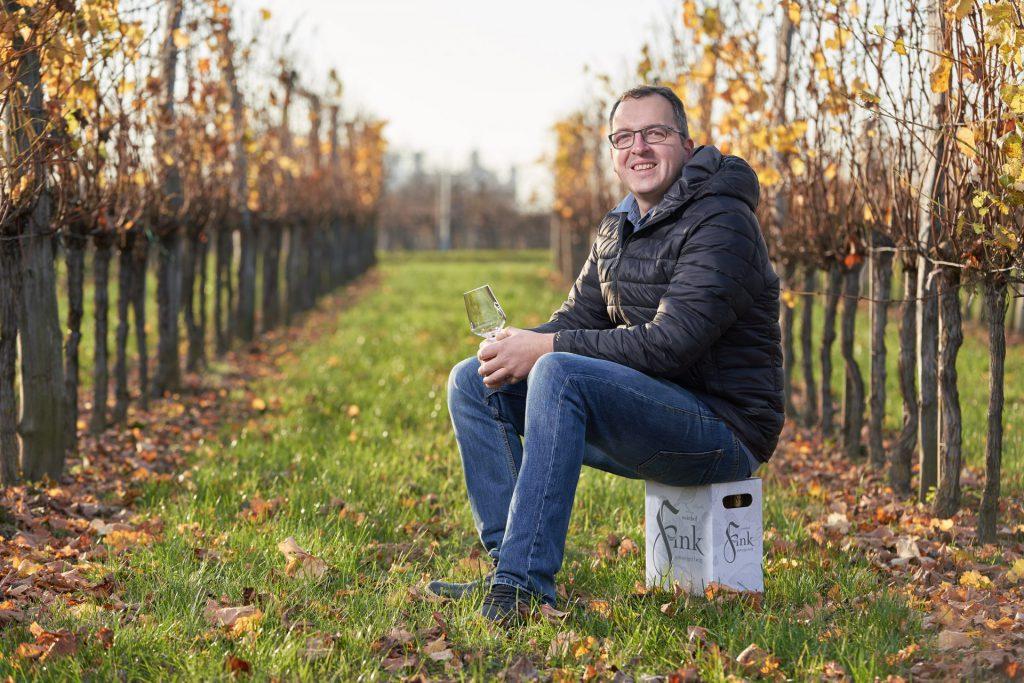 Jungwinzer Christoph Fink führt den Betrieb mit den Eltern.