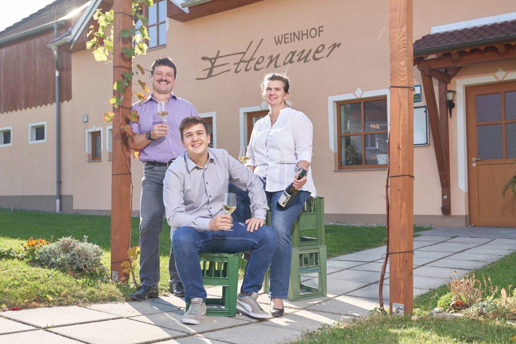 Die Winzerfamilie Ettenauer.